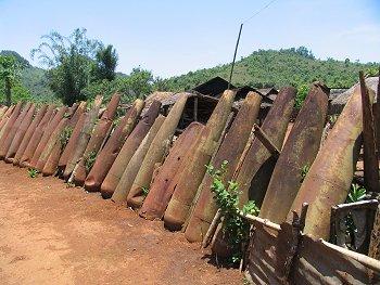 20061114-laos-fence